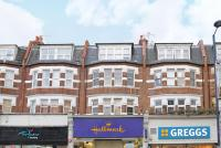Flat for sale in High Road...