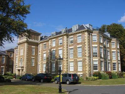 2 bedroom flat for sale in princess park manor london n11 for Princess manor catering hall