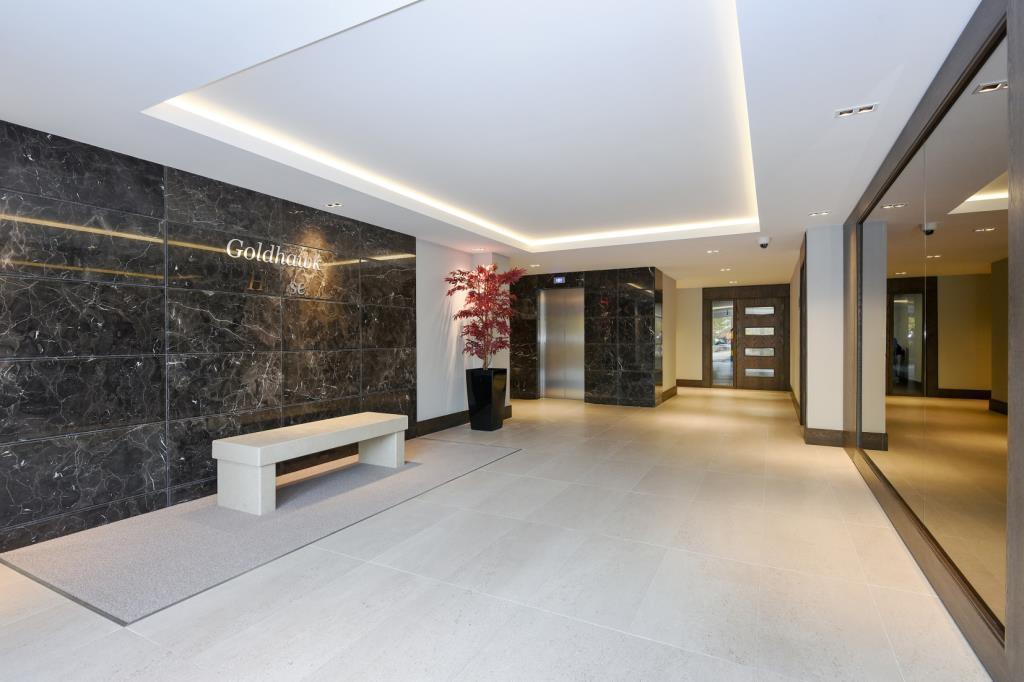 Building Entrance / Lobby