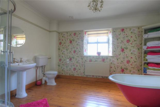 The Willows Bathroom