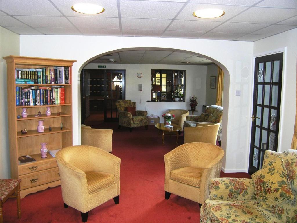 Communal Lounge 2