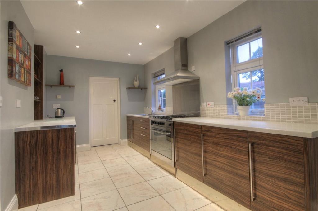 Kitchen Pic 1