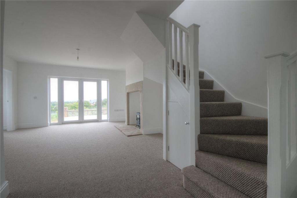 Living Area & Stairs
