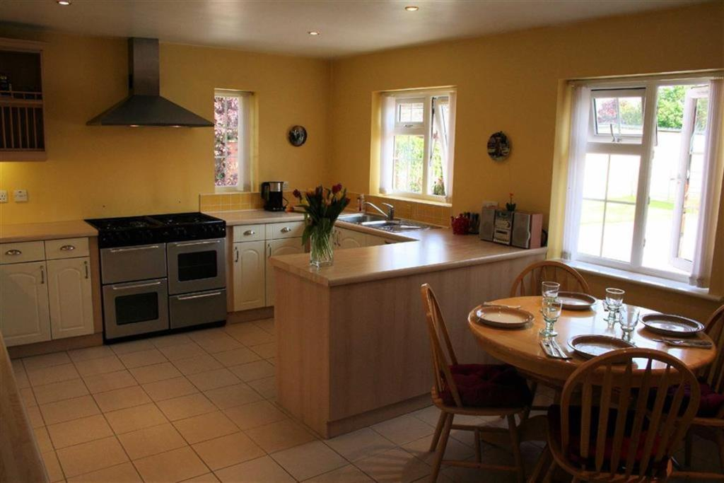 Dining Kitchen Secon