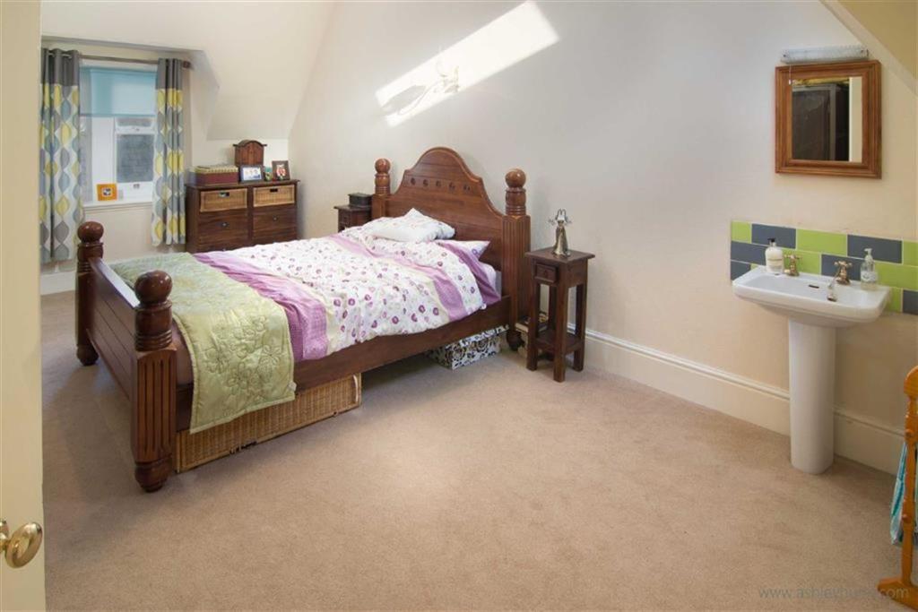 Bed 2 Guest Bedroom