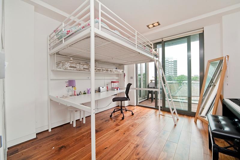 Beige Wooden Floor Bedroom Design Ideas Photos
