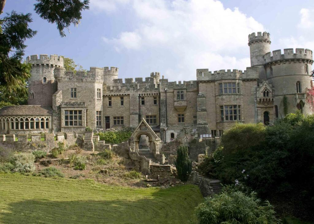 7 Bedroom House For Sale In Devizes Castle Devizes