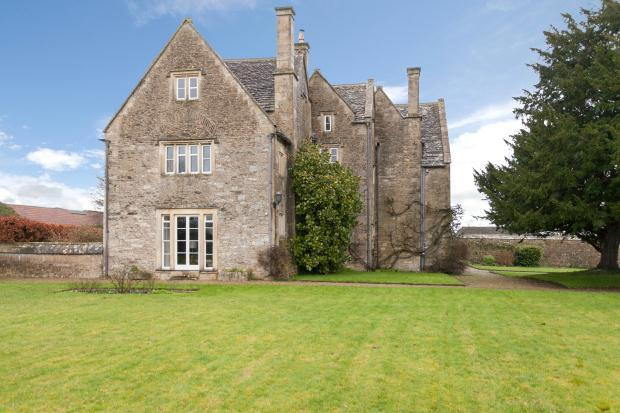 4 Bedroom Character Property For Sale In Monkton