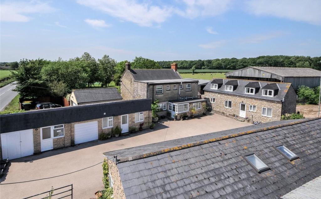 Romsey Oak Farmhouse