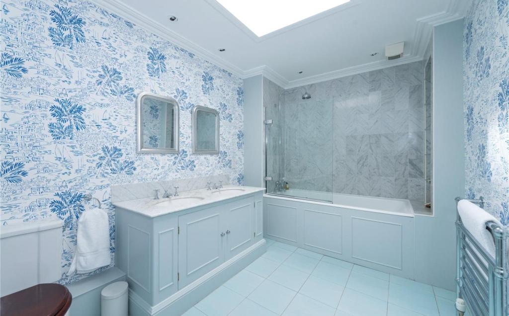 7 bedroom terraced house for sale in 21 lynedoch place for 18 dean terrace edinburgh