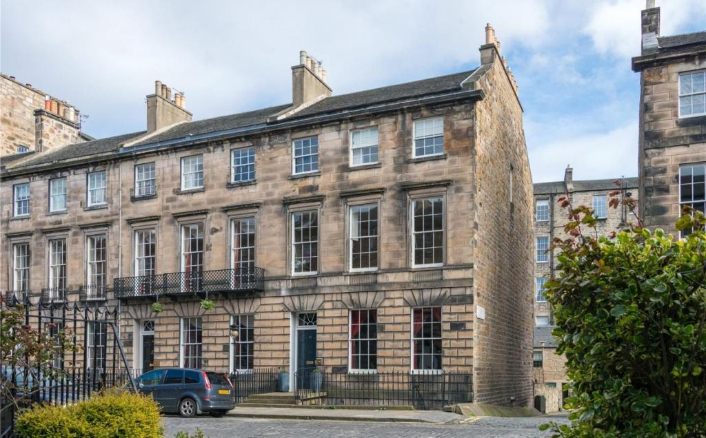 6 bedroom terraced house for sale in 12 northumberland