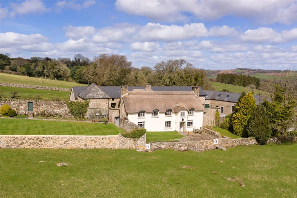 5 bedroom detached house for sale in lustleigh dartmoor