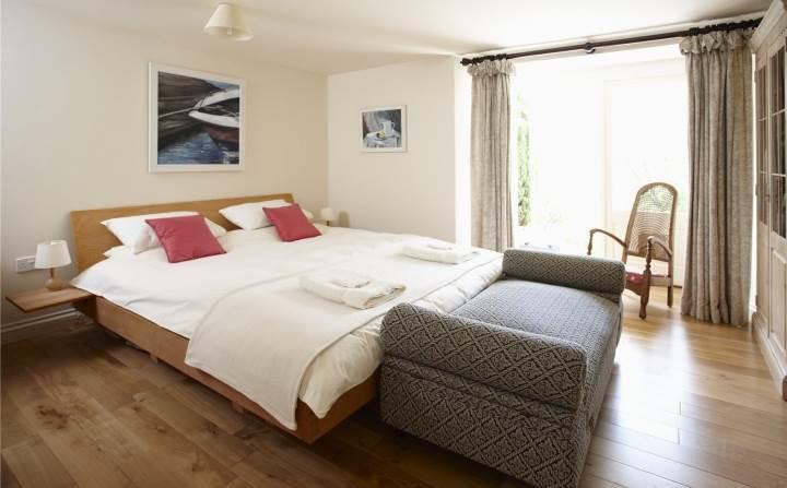 Bedroom, Garden Apt