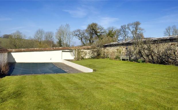 Walled Garden/Pool