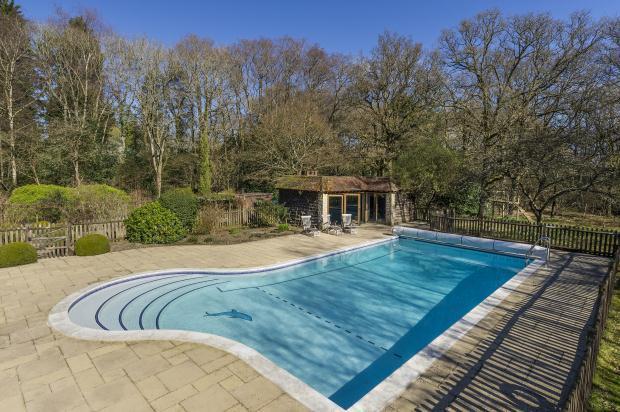 7 Bedroom Detached House For Sale In Pook Hill Chiddingfold Godalming Surrey Gu8 4xr Gu8