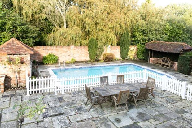 7 Bedroom Detached House For Sale In Clay Hill Road Lamberhurst Tunbridge Wells Kent Tn3 8lr