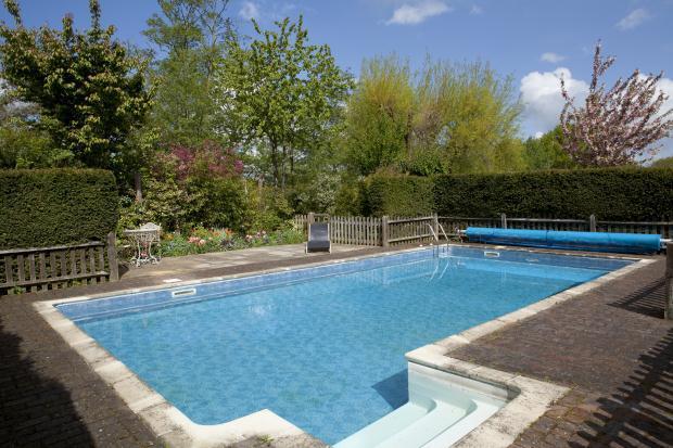 5 Bedroom Detached House For Sale In Postern Lane Tonbridge Kent Tn11 0qu Tn11