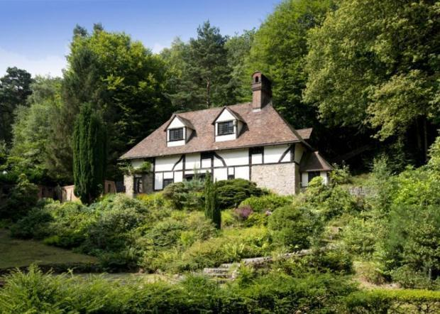 5 Bedroom Detached House For Sale In Sevenoaks Road