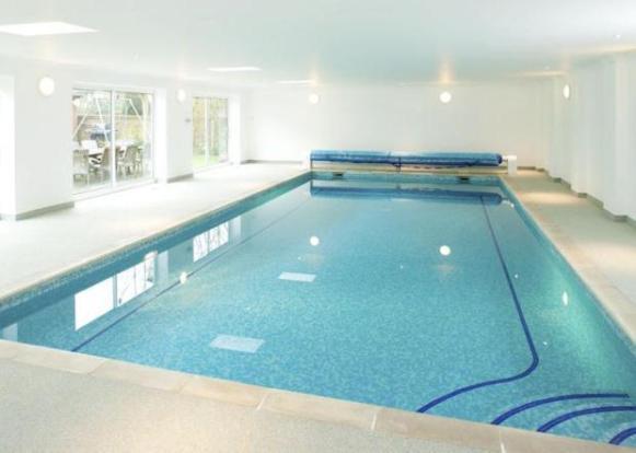 6 Bedroom Detached House For Sale In Kilnwood Halstead Sevenoaks Kent Tn14 7ew Tn14