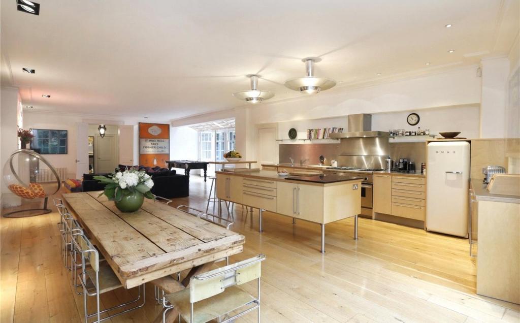 Kitchen/Dining/Recep