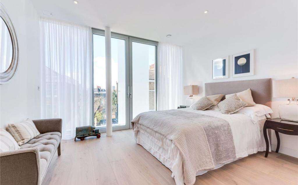 Evening Standard,Master Bedroom
