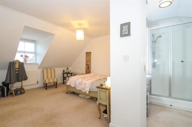 Bed One En Suite