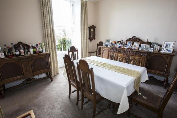 06) Dining Room