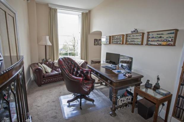 05) Office