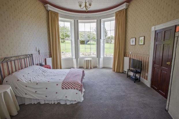 12) Bedroom 2.0