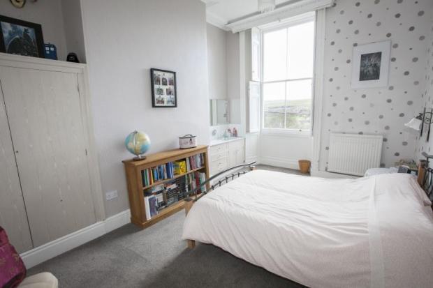 15) Bedroom 4