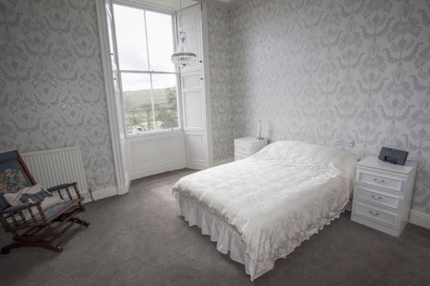 17) Bedroom 6