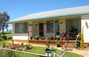 3 bed house in New South Wales, Yeoval