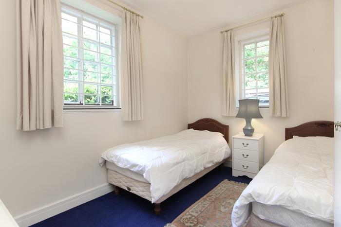 41 Wildcroft Manor (