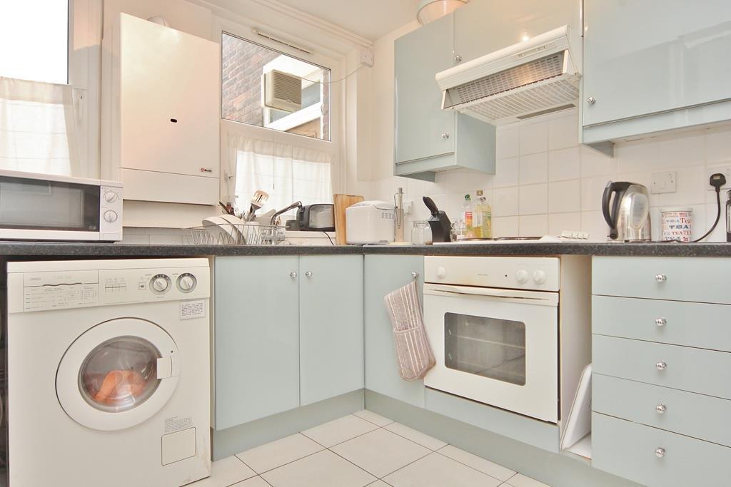 Kitchen re-sized.jpg