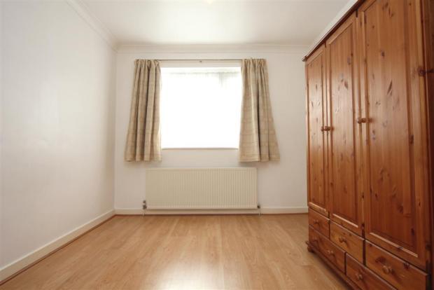 Bedroom (Large).JPG