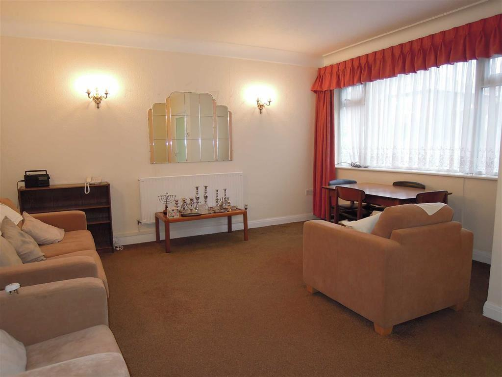 2 bedroom flat for sale in princess court butterstile for 10 x 14 living room