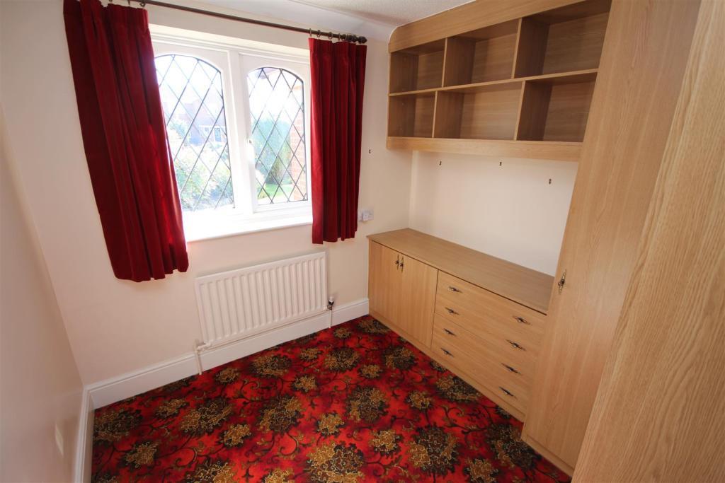 Bedroom 3/Study (rea