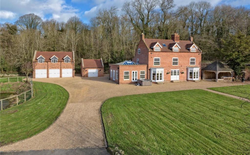 Shelmore Manor