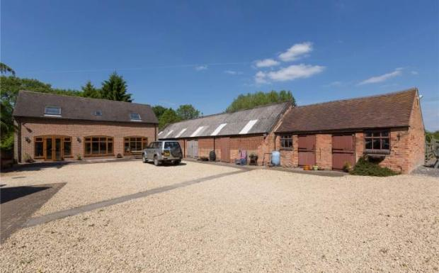 Annexe and Barn