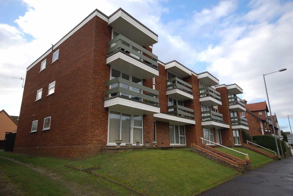 2 bedroom apartment for sale in norfolk court cromer road