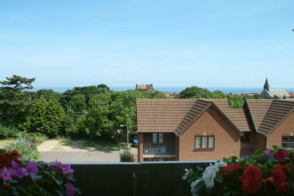 2 bedroom apartment for sale in norfolk court cromer road for 2 bedroom apartments in norfolk