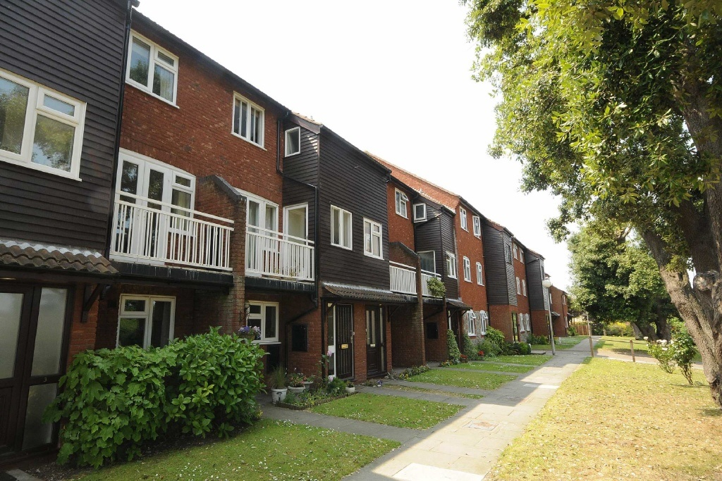 2 bedroom apartment for sale in langham court weybourne for 2 bedroom apartments in norfolk