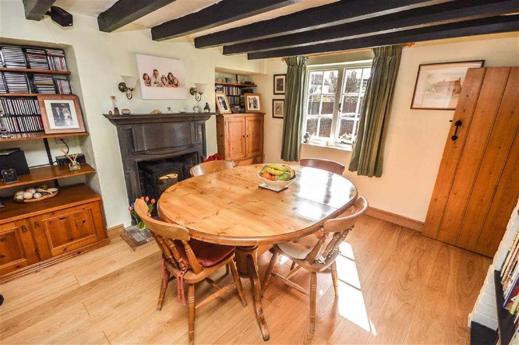 5 bedroom detached house for sale in main street, calverton
