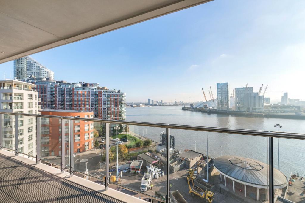 Docklands E14