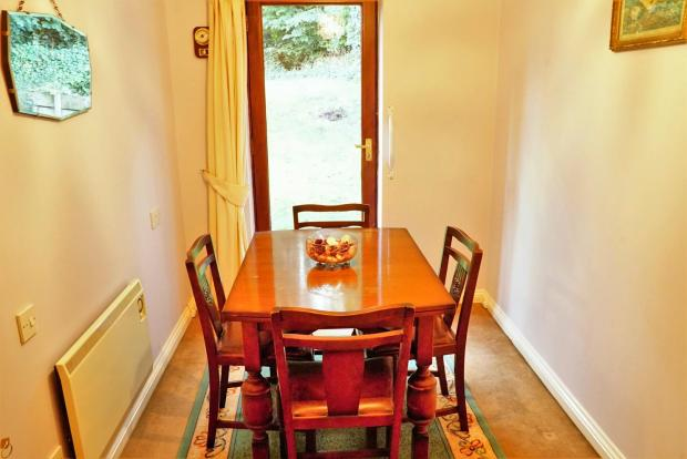 Single Bedroom/Dinin