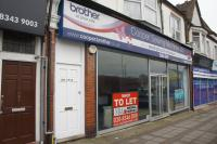 Shop to rent in High Road, London, N12