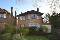 4 bedroom Detached house in Southover, Woodside Park