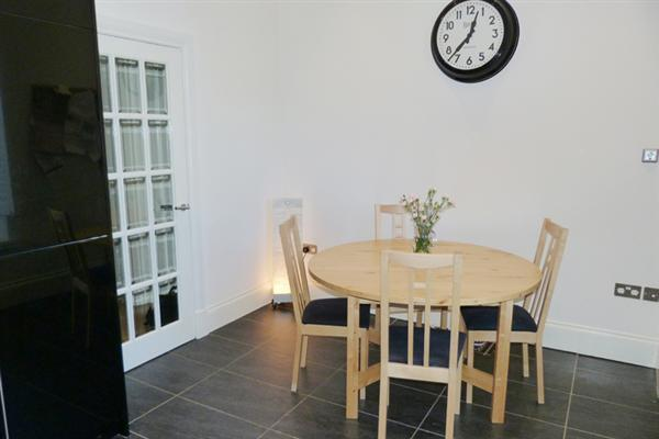 Kitchen dining room (2)
