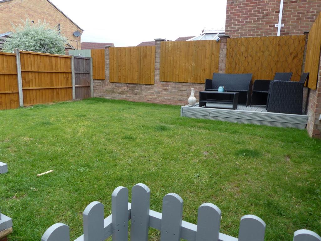 Rear garden (2).JPG
