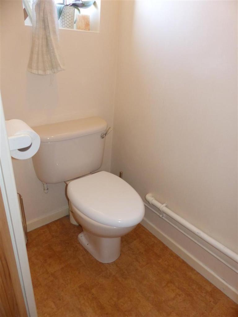 DOWNSTAIRS WC.JPG